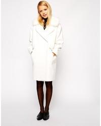 Abrigo con cuello de piel blanco de Asos