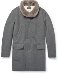 Abrigo con cuello de piel gris de Loro Piana
