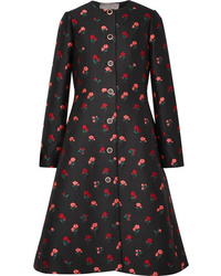 Abrigo con print de flores negro de Lela Rose