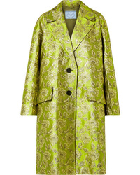 Abrigo de brocado verde oliva de Prada