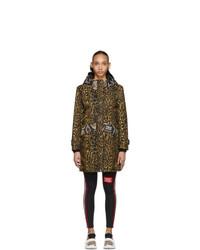 Abrigo de leopardo marrón de Burberry
