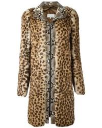 Abrigo de piel de leopardo marrón claro de Maison Margiela