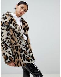 Abrigo de piel de leopardo marrón claro de NA-KD