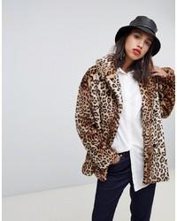 Abrigo de piel de leopardo marrón claro de Stradivarius