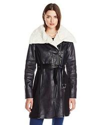 Abrigo de piel de oveja en negro y blanco