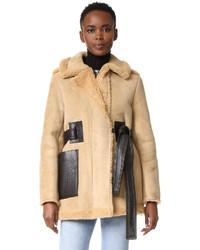 Abrigo de piel de oveja marrón claro de Acne Studios