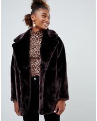 Abrigo de piel en marrón oscuro de Monki