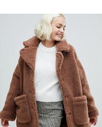 Abrigo de piel marrón de Monki