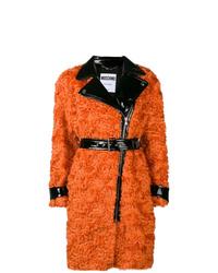 Abrigo de piel naranja de Moschino