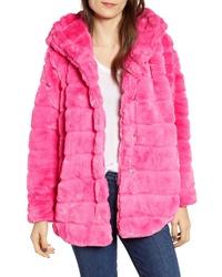 Abrigo de piel rosa