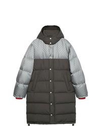 Abrigo de plumón en gris oscuro de Gucci