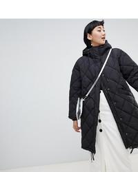 Abrigo de plumón negro de Monki