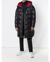 Abrigo de plumón negro de Valentino