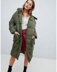 Abrigo de plumón verde oliva de Missguided