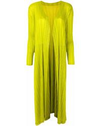 Abrigo en amarillo verdoso de Pleats Please Issey Miyake