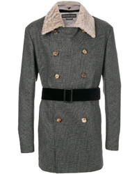 Abrigo en gris oscuro de Alexander McQueen