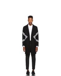 Abrigo largo de rayas horizontales en negro y blanco de Neil Barrett