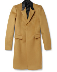 Abrigo largo mostaza de Burberry