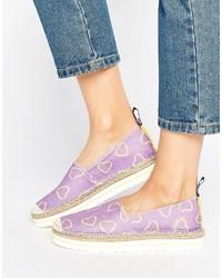 Alpargatas estampadas violeta claro de Love Moschino