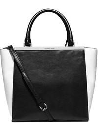 Bolsa tote de cuero en negro y blanco