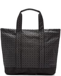 Bolsa tote de lona con estampado geométrico negra de Bao Bao Issey Miyake