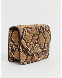 Bolso bandolera de cuero con print de serpiente marrón claro de ASOS DESIGN