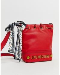 Bolso bandolera de cuero rojo de Love Moschino