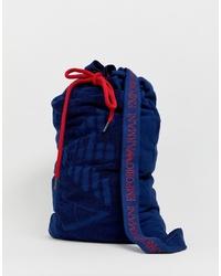Bolso baúl de lona azul marino de Emporio Armani