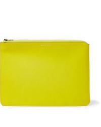 Bolso con cremallera de cuero amarillo