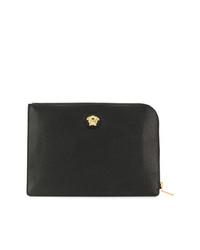 Bolso con cremallera de cuero con adornos negro de Versace