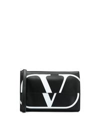 Bolso con cremallera de cuero estampado en negro y blanco de Valentino