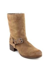 Botas a media pierna de ante marrónes
