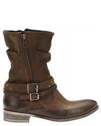 Botas a media pierna de cuero marrónes