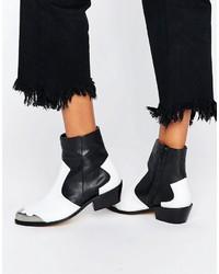 Botas camperas de cuero negras de Asos