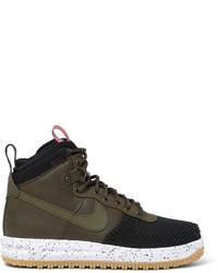 Botas de cuero en marrón oscuro de Nike