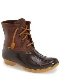 Botas de lluvia marrónes