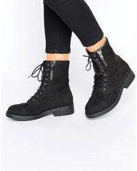 da654ff6ebe Comprar unas botas planas con cordones Boohoo | Moda para Mujeres ...