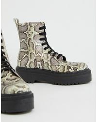 Botas planas con cordones de cuero con print de serpiente grises de ASOS DESIGN