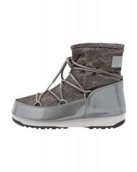 Botas planas con cordones de cuero en gris oscuro de Moon Boot