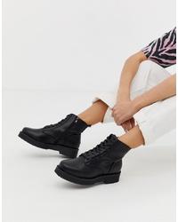 Botas planas con cordones de cuero gruesas negras de New Look