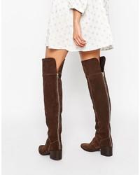 Botas sobre la rodilla de ante en marrón oscuro de Asos