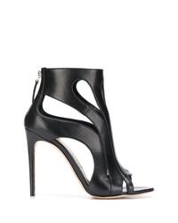 Botines de cuero con recorte negros de Alexander McQueen