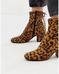 Botines de cuero de leopardo marrónes de Head over Heels by Dune