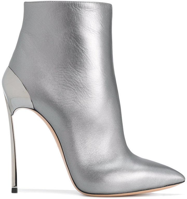 2167e77a9 Botines grises de Casadei, €775 | farfetch.com | Lookastic España