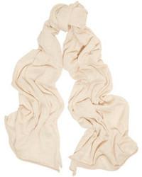 Bufanda blanca de Madeleine Thompson