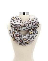 Bufanda de leopardo blanca