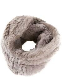 Bufanda de pelo gris de Jocelyn
