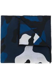 Bufanda de seda de camuflaje azul marino de Valentino