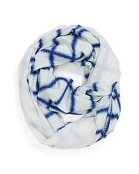 Bufanda estampada en blanco y azul marino