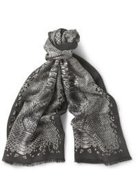 Bufanda estampada gris de Alexander McQueen